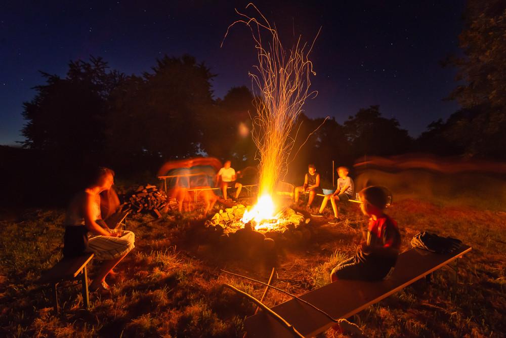 Lagerfeuer beim Sommerfest von Katja und Tilman